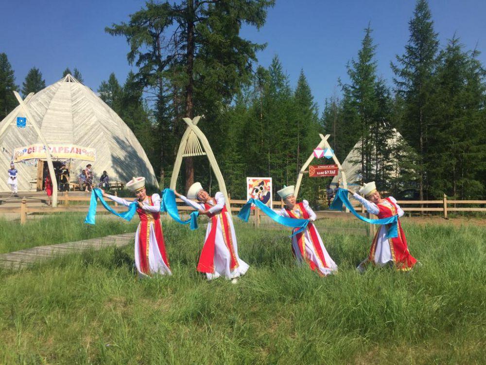 Сурхарбан на мирнинской земле: парад районов, тысяча бууз и танец орла